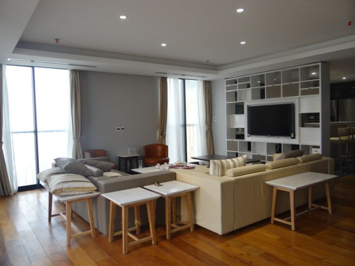 Spacious and fully furnished apartment with 3 bedrooms for rent in Hoan Kiem district, Hanoi