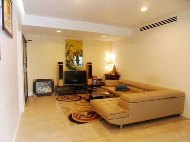 150 sqm apartment with 3 bedrooms and full furniture for rent in Golden Westlake Hanoi