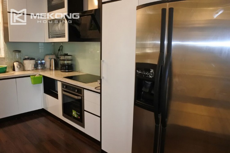 150 sqm renovated apartment with 4 bedrooms on high floor in G2 tower Ciputra Hanoi 3