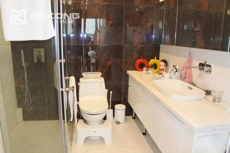 150 sqm renovated apartment with 4 bedrooms on high floor in G2 tower Ciputra Hanoi 20
