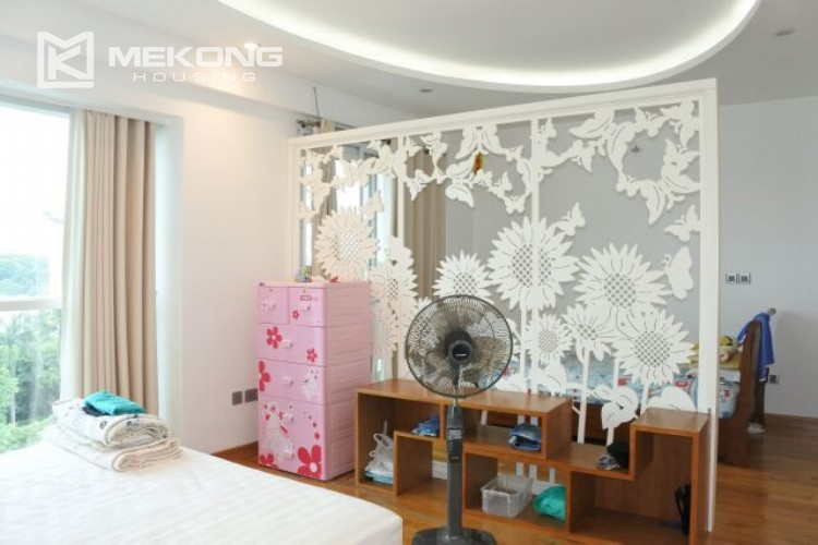 154m2 apartment for rent in Ciputra L tower 11