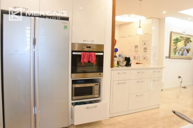 154m2 apartment for rent in Ciputra L tower 20