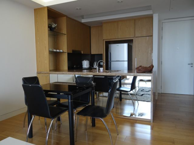 2 bedroom apartment with full furniture for rent in Indochina Plaza Hanoi