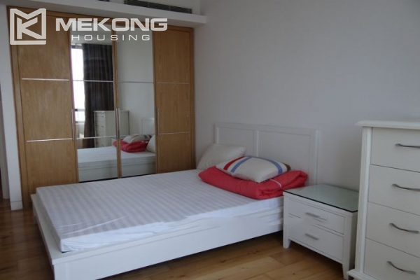 2 bedroom apartment with full furniture for rent in Indochina Plaza Hanoi 11