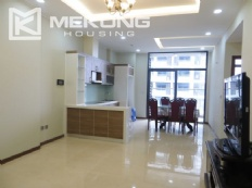 2 bedroom apartment with full furniture for rent in Trang An Complex