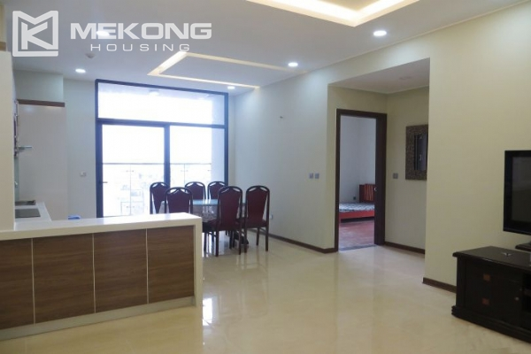 2 bedroom apartment with full furniture for rent in Trang An Complex 2