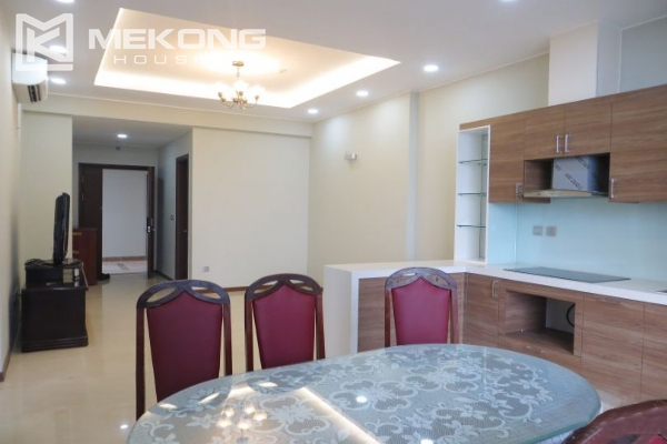 2 bedroom apartment with full furniture for rent in Trang An Complex 4