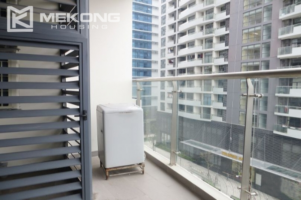 2 bedroom apartment with full furniture for rent in Trang An Complex 5