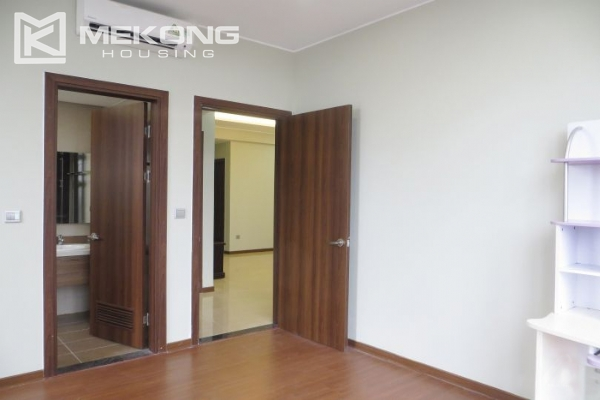 2 bedroom apartment with full furniture for rent in Trang An Complex 9