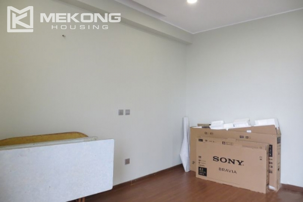 2 bedroom apartment with full furniture for rent in Trang An Complex 12