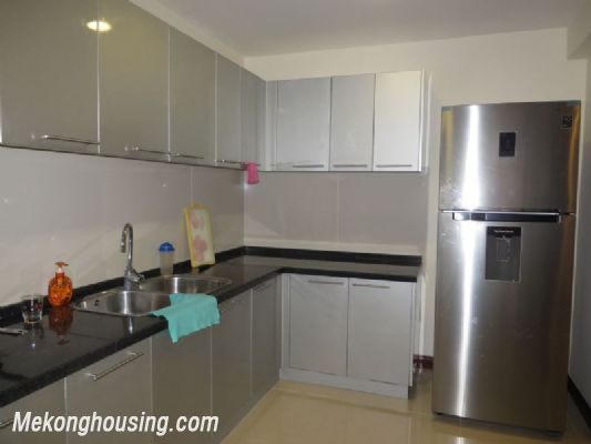 2 bedroom apartment with full furniture on high floor for rent in Vinhomes Royal City, Thanh Xuan district, Hanoi 10