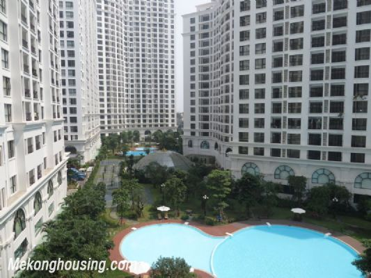 2 bedroom apartment with full furniture on high floor for rent in Vinhomes Royal City, Thanh Xuan district, Hanoi 12