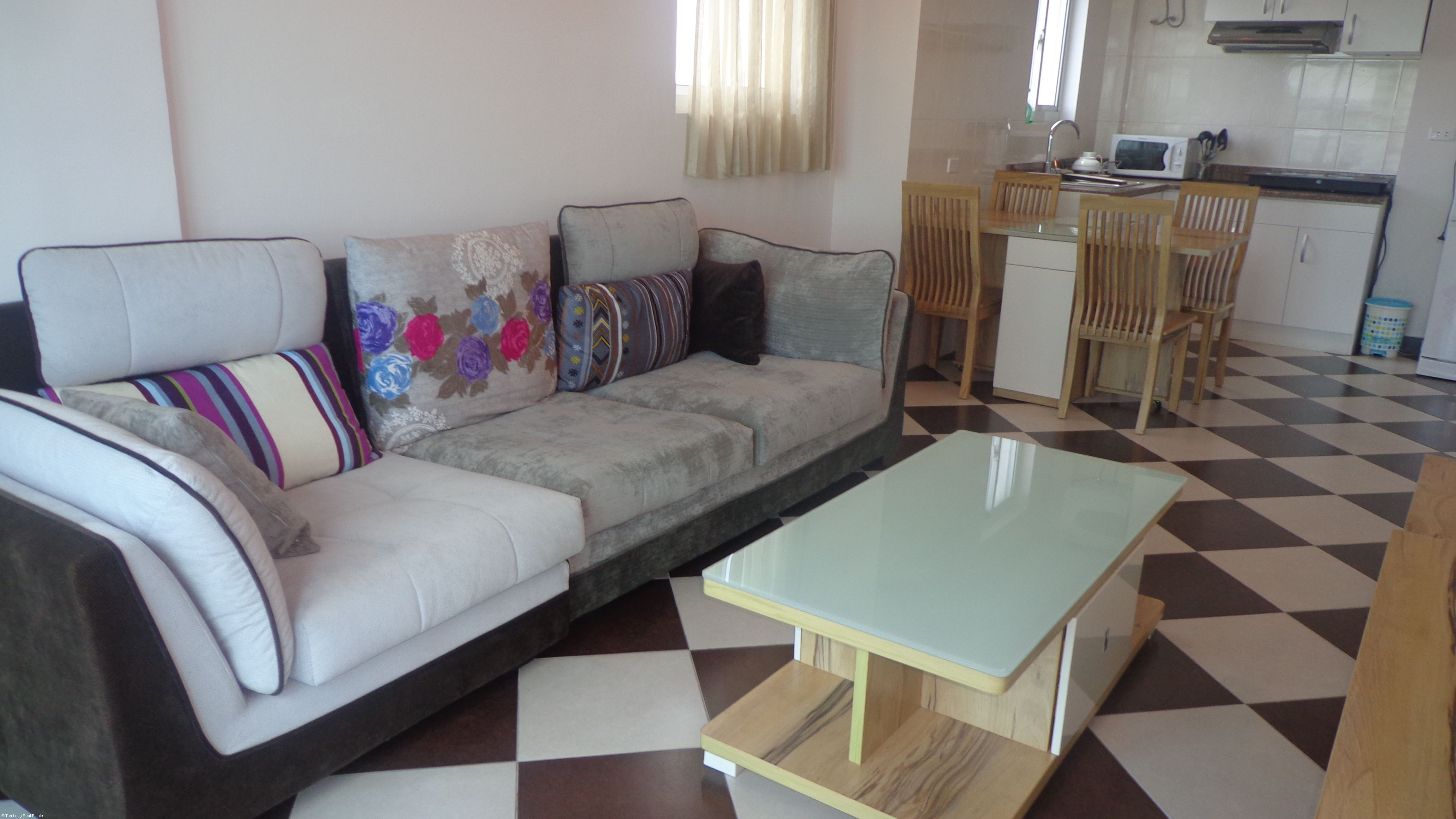 2 bedroom serviced apartment for rent in Hoang Hoa Tham street, Ba Dinh district