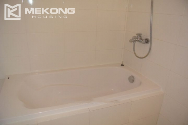 2 bedroom serviced apartment for rent in Trieu Viet Vuong 8