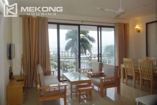 2 bedroom serviced apartment with nicely furnished furniture and lake view for rent in Au Co street, Tay Ho district, Hanoi 1