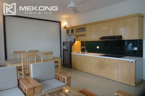2 bedroom serviced apartment with nicely furnished furniture and lake view for rent in Au Co street, Tay Ho district, Hanoi 4