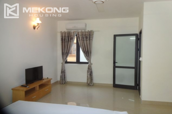 2 bedroom serviced apartment with nicely furnished furniture and lake view for rent in Au Co street, Tay Ho district, Hanoi 7
