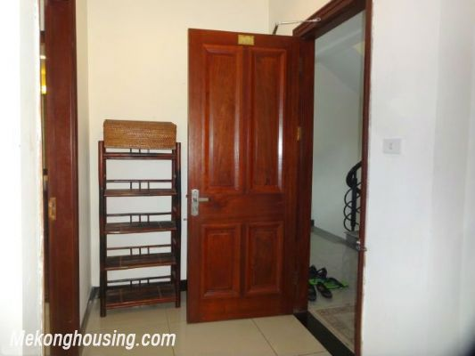 2 bedrooms serviced apartment for rent in Au Co street, Tay Ho, Hanoi 2