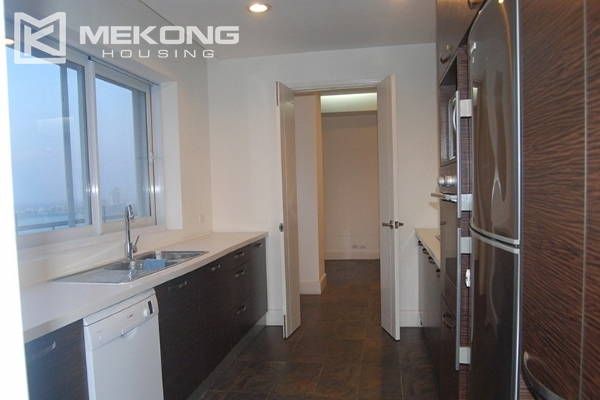 225 sqm apartment with 4 bedrooms and Westlake view for rent in Golden Westlake Hanoi 9
