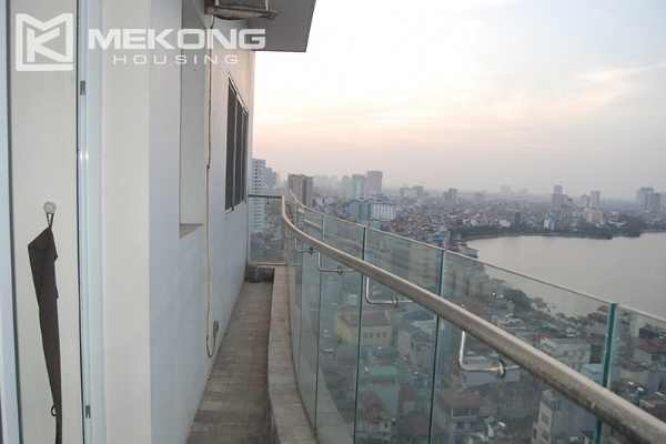 225 sqm apartment with 4 bedrooms and Westlake view for rent in Golden Westlake Hanoi 11