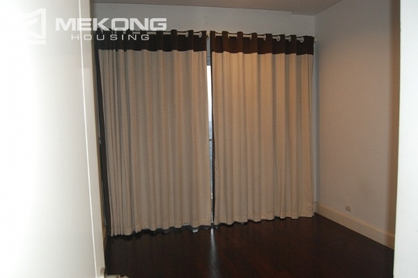 225 sqm apartment with 4 bedrooms and Westlake view for rent in Golden Westlake Hanoi 12