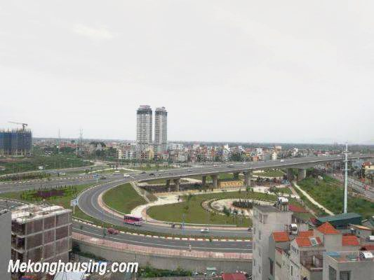 3 badroom apartment with nice view for rent at 713 Lac Long Quan 1
