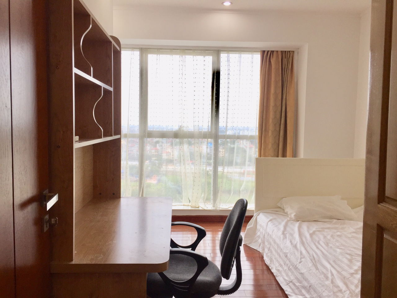3 bedroom apartment on high floor for rent in L1 tower The Link Ciputra Hanoi 6