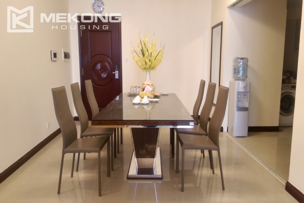 3 bedroom apartment on high floor for rent in R4 Royal City Hanoi 5
