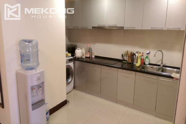 3 bedroom apartment on high floor for rent in R4 Royal City Hanoi 6