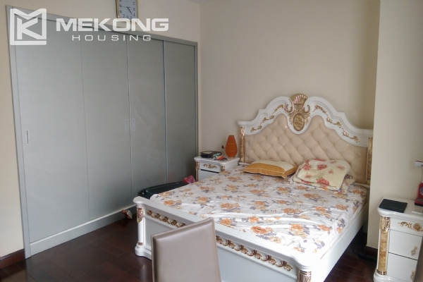 3 bedroom apartment on high floor for rent in R4 Royal City Hanoi 12