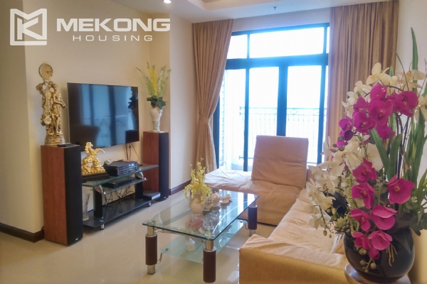 3 bedroom apartment on high floor for rent in R4 Royal City Hanoi 1