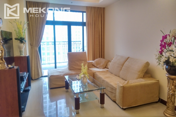 3 bedroom apartment on high floor for rent in R4 Royal City Hanoi 2