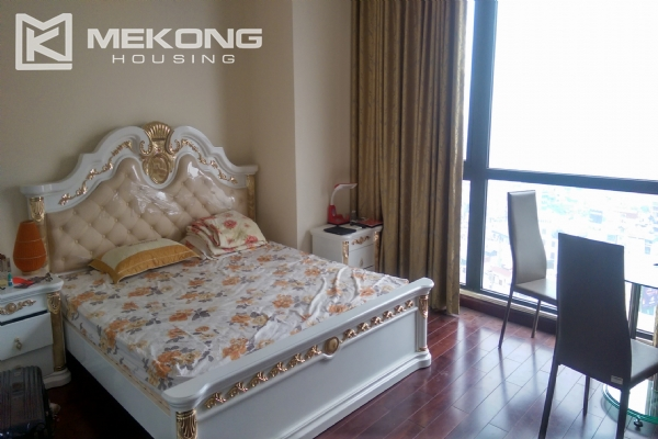 3 bedroom apartment on high floor for rent in R4 Royal City Hanoi 10
