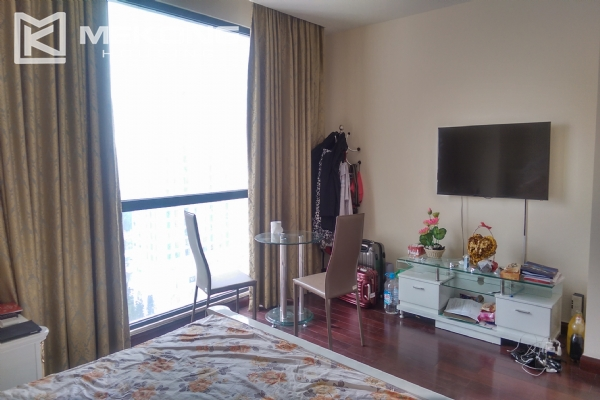 3 bedroom apartment on high floor for rent in R4 Royal City Hanoi 11