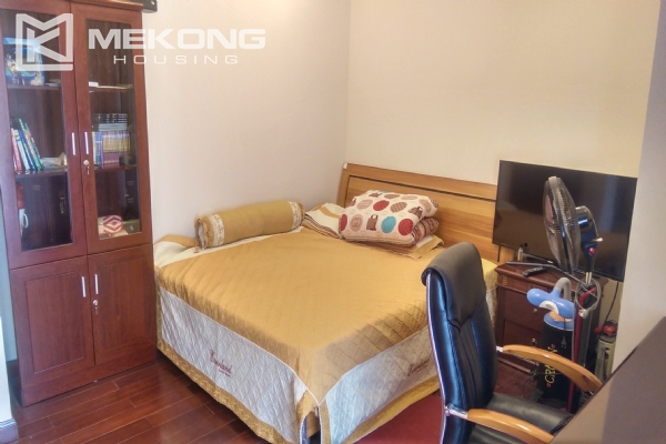 3 bedroom apartment on high floor for rent in R4 Royal City Hanoi 15