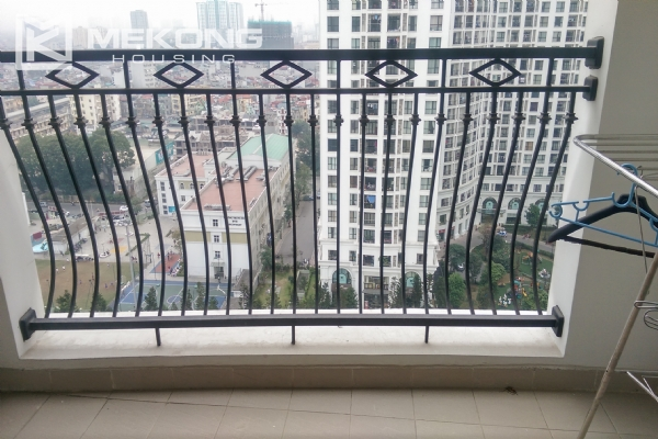 3 bedroom apartment on high floor for rent in R4 Royal City Hanoi 16