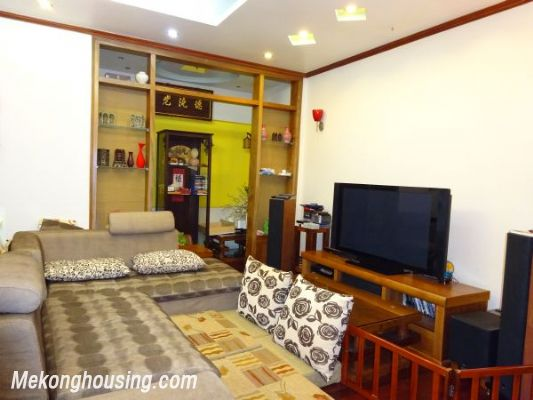 3 bedroom apartment on high foor for rent in Nguyen Chi Thanh, Ba Dinh district, Hanoi 1