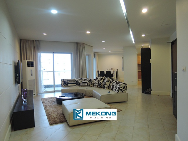 3 bedroom apartment with cozy decoration for rent in Golden Westlake Hanoi