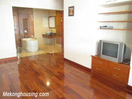 3 bedrooms apartment with full furniture for rent in Lang Ha, Dong Da, Hanoi 7
