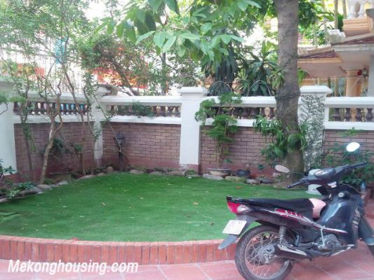 3 bedrooms house near Westlake for lease in Nghi Tam village, Au Co, Tay Ho, Hanoi 3