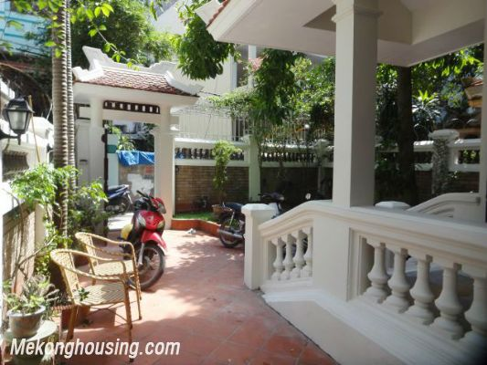 3 bedrooms house near Westlake for lease in Nghi Tam village, Au Co, Tay Ho, Hanoi 4