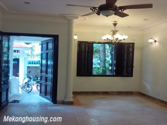 3 bedrooms house near Westlake for lease in Nghi Tam village, Au Co, Tay Ho, Hanoi 7