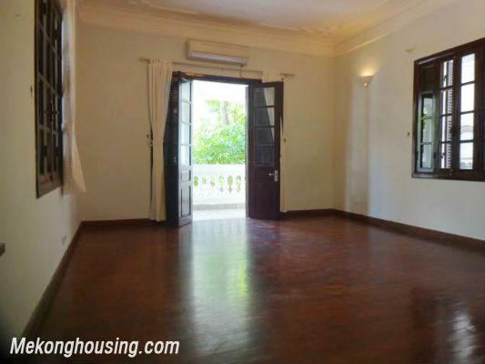 3 bedrooms house near Westlake for lease in Nghi Tam village, Au Co, Tay Ho, Hanoi 12