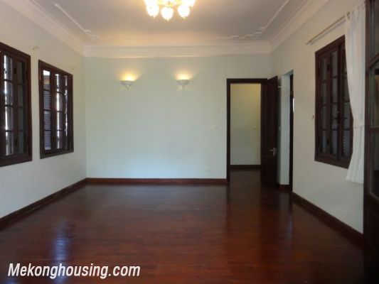3 bedrooms house near Westlake for lease in Nghi Tam village, Au Co, Tay Ho, Hanoi 15