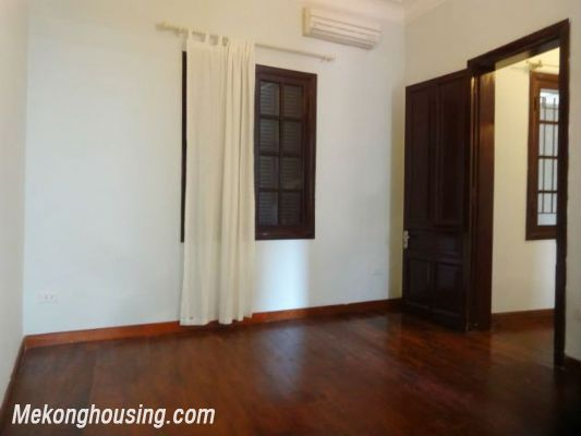 3 bedrooms house near Westlake for lease in Nghi Tam village, Au Co, Tay Ho, Hanoi 20