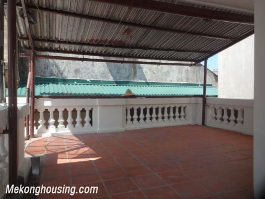 3 bedrooms house near Westlake for lease in Nghi Tam village, Au Co, Tay Ho, Hanoi 8