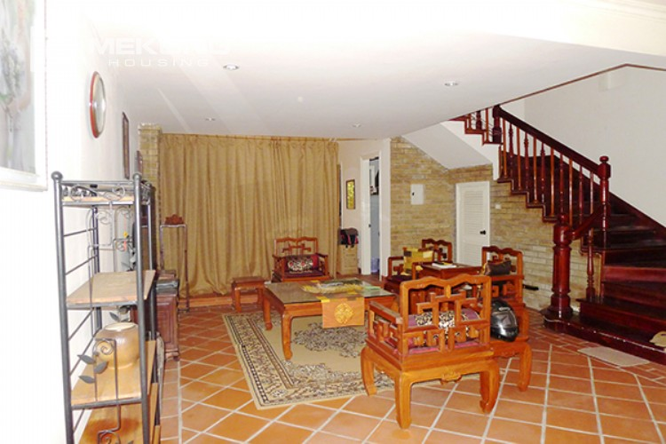 4 bedrooms villa for rent in Tay Ho, very close to West Lake 2