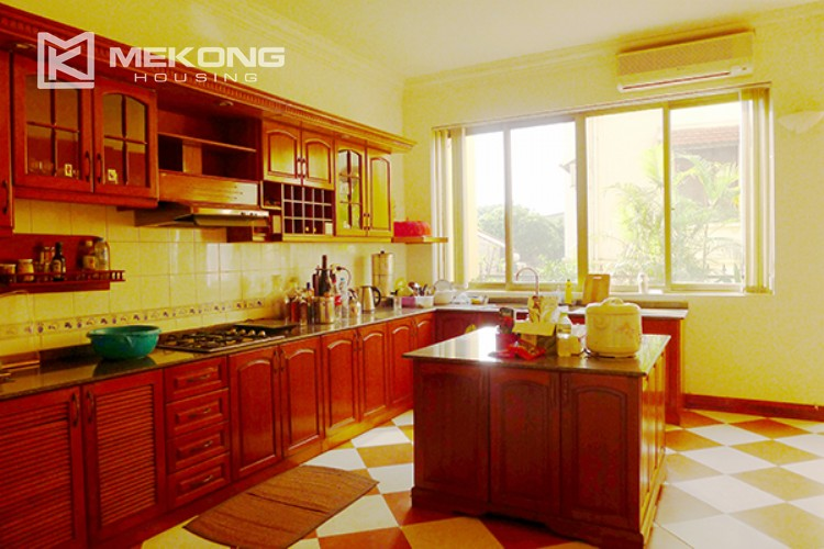 4 bedrooms villa for rent in Tay Ho, very close to West Lake 6