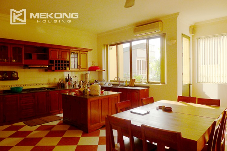 4 bedrooms villa for rent in Tay Ho, very close to West Lake 7