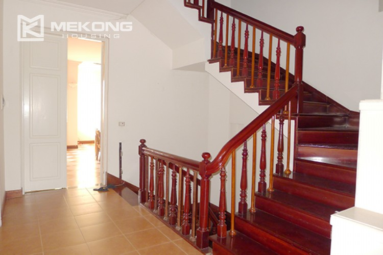 4 bedrooms villa for rent in Tay Ho, very close to West Lake 13